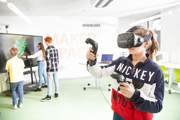 """Ernst-Reuter-Schule Karlsruhe und imsimity gewinnen Schulwettbewerb """"Bildungspartnerschaften digital"""""""